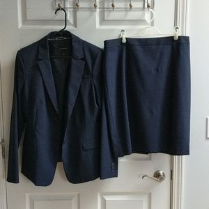 Navy blue Banana Republic wool blazer size 16